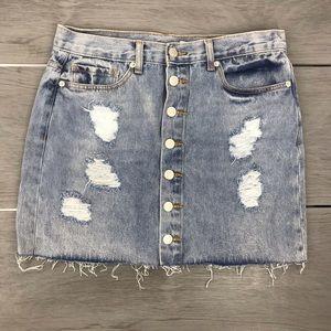 🖤3/$30Forever 21 distressed denim skirt large